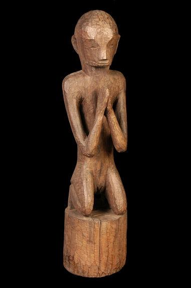 Sculpture funéraire: personnage orant