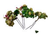 Trois épingles à cheveux ornées de bouquets de fleurs en tissu