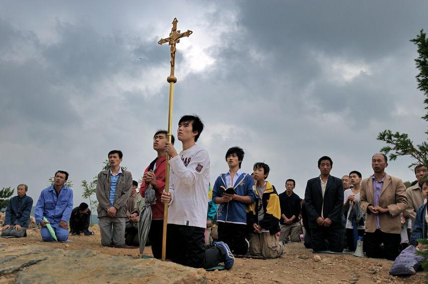 Se prosterner devant le saint