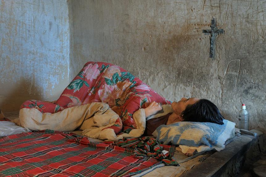 Une vieillarde paralysée reste au lit pendant neuf ans