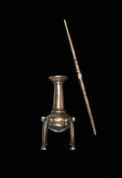 Flacon et bâton à parfum
