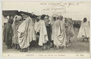 Bizerte. - Arabes au Marché aux Bestiaux