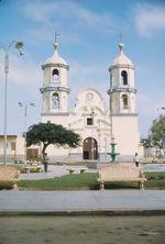 San Pedro de Lloc. Place et église