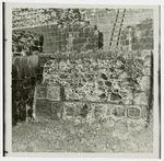Edzna [bâtiment et bas-reliefs]