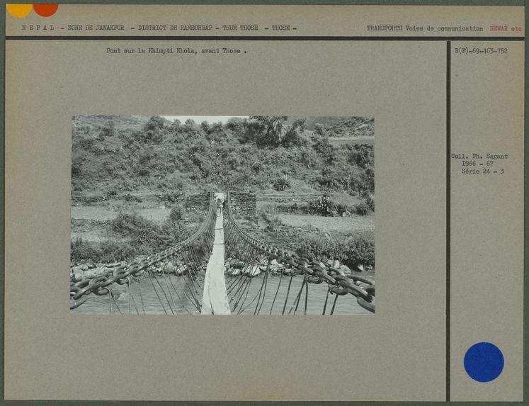 Pont sur la Khimpi Khola