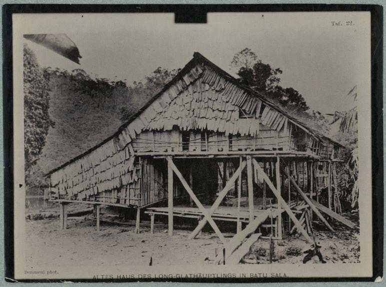 Altes haus des long-glathäuptlings in Batu Sala