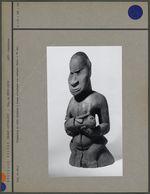 Statuette en bois sculpté : femme et enfant