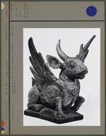 Sculpture représentant un taureau ailé