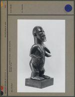 Statuette cultuelle en bois, à patine brillante