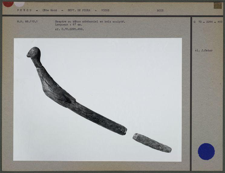 Sceptre ou bâton cérémoniel en bois