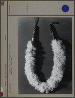 Ornement de tête, en tissu et poils