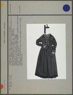 Costume de drap de laine noire, brodé de fil d'argent