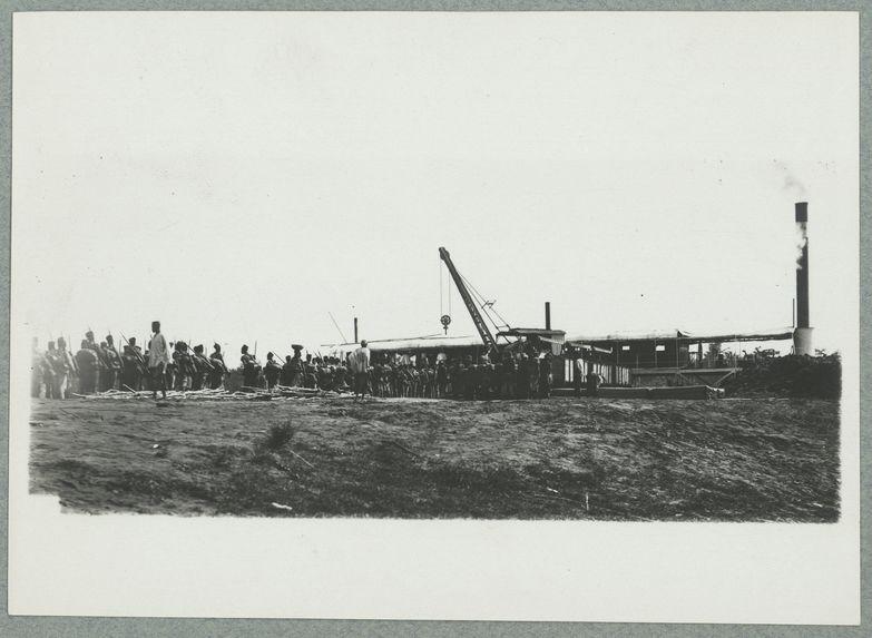 Embarquement de troupes