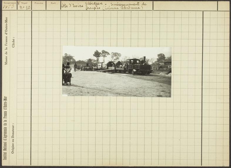 Embarquement de troupes (colonne Bandama)