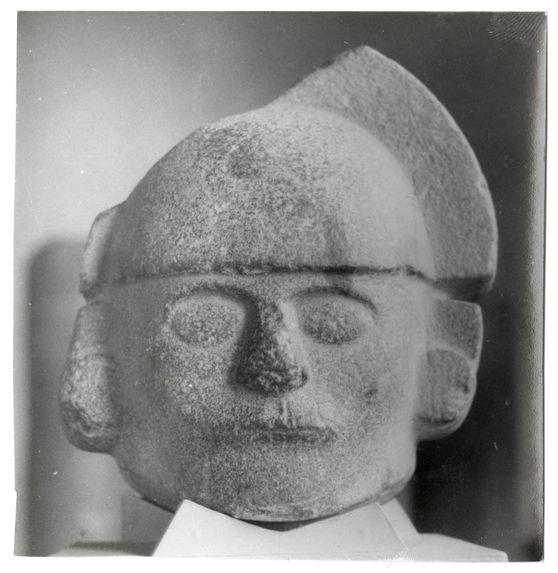 Objets. Chavin, Callejon de Huaylas. Sculptures Museo Nacional Lima. Sechin etc...
