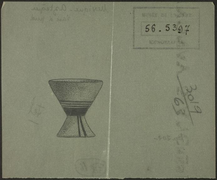 Fig. 16. Mexique. Aztèque. Vase à pied